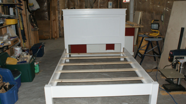 Bedframe painted white